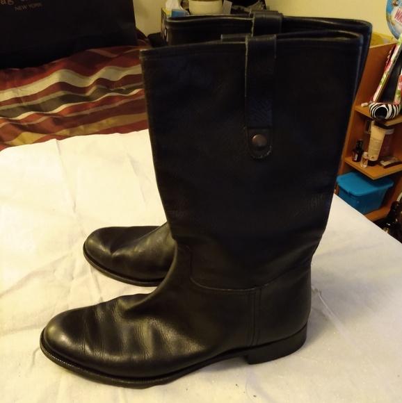 Gravati Italian leather boots black..